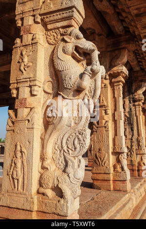 Relief carving at the Hampi temple, the centre of the Hindu Vijayanagara Empire in Karnataka state in India - Stock Image