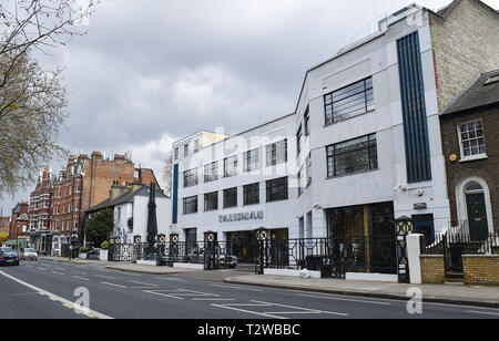 Parsons Green and Fulham London UK - Talisman interior design showroom in famous Art Deco building opposite Eel Brook Common - Stock Image