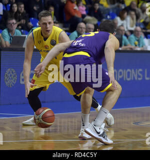 Opava, Czech Republic. 16th Jan, 2019. Radovan Kouril of Opava, left, and Roi Huber of Hapoel fight for a ball during the Group B, 11th round of the Champions League match BK Opava vs Hapoel Holon in Opava, Czech Republic, January 16, 2019. Credit: Jaroslav Ozana/CTK Photo/Alamy Live News - Stock Image