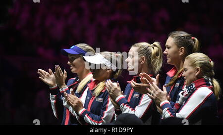 Prague, Czech Republic. 11th Nov, 2018. US tennis player Sofia Kenin (2nd from left) is seen with her team mates prior to the 2018 Fed Cup final match between Czech Republic and USA, rubber 3, singles, at the O2 arena in Prague, Czech Republic, on November 11, 2018. Credit: Michal Kamaryt/CTK Photo/Alamy Live News - Stock Image