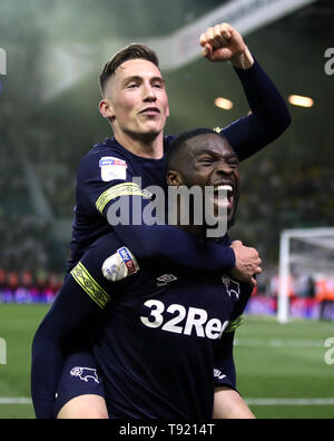 Derby County's Harry Wilson (left) and Fikayo Tomori celebrate victory after the Sky Bet Championship Play-Off, Semi Final, Second Leg match at Elland Road, Leeds. - Stock Image