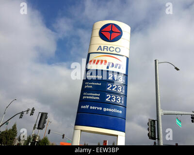 Riverbank, Stanislaus County, California, USA. 21st January, 2015. Gas prices continue to get closer to $2 a gallon - Stock Image