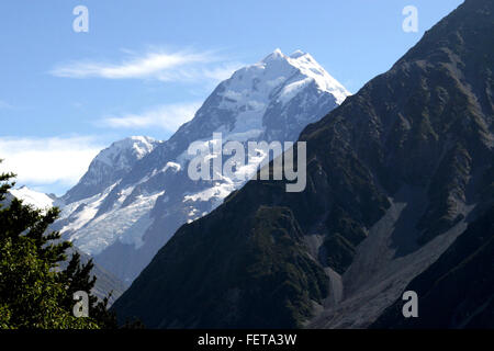 Snowy mountains in the Southern Lakes area of the South Island of New Zealand. - Stock Image