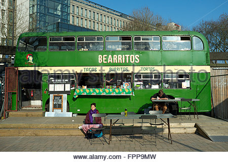 Bearritos - a vintage double decker bus now an eatery in the Bearpit, in the sunken St. James Barton Roundabout, - Stock Image