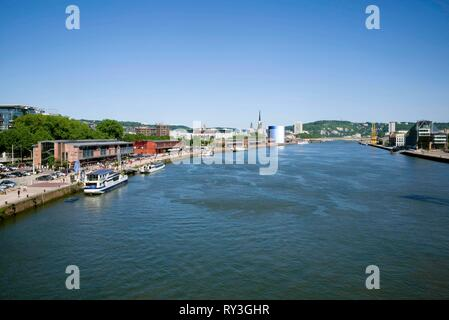 France, Seine Maritime, Rouen, quai de Seine, cathedral at the bottom, right bank with the barges and the panoramic, left bank with the show scene 106 - Stock Image
