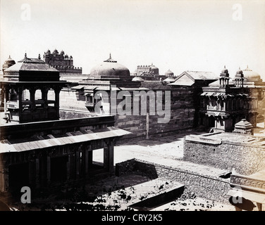 Palace Complex at Futtehpore Sikree (Fatehpur Sikri), Agra, 1869, by John Burke - Stock Image
