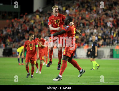 Belgium's Kevin De Bruyne (7) celebrates scoring his side's third goal of the game with team-mate Romelu Lukaku during the UEFA Euro 2020 Qualifying, Group I match at the King Baudouin Stadium, Brussels. - Stock Image