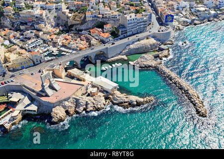France, Bouches du Rhone, Marseille, 7th arrondissement, Endoume district, Corniche of President John Fitzgerald Kennedy, Gate of the East, war memorial of the Army of the East, Anse du Vallon des Auffes (view Aerial) - Stock Image