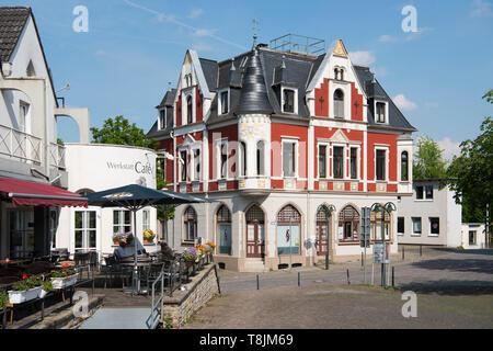 Deutschland, Nordrhein-Westfalen, Wetter (Ruhr), Volmarstein, Dorfplatz - Stock Image