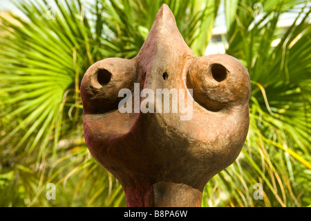 San Antonio Art Museum outdoor sculpture of an animal head with palm fronds behind Texas tx tourist attraction - Stock Image