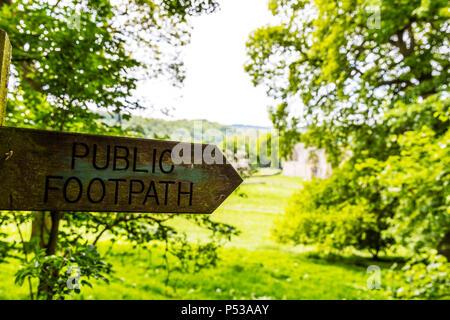 Public footpath sign Yorkshire Dales UK, Public footpath sign, right of way, Public footpath, sign, Public footpath signs, signs, direction, - Stock Image