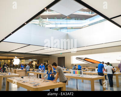 The Apple store in the Zorlu Center in Istanbul Turkey - Stock Image