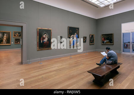Visitor in the Spanish gallery, The Metropolitan Museum of Art, Manhattan, New York USA - Stock Image