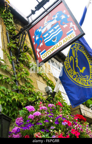 The Cotswold Arms pub in Burford, UK. - Stock Image