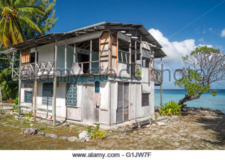 Abandoned house in Fakarava (French Polynesia) - Stock Image