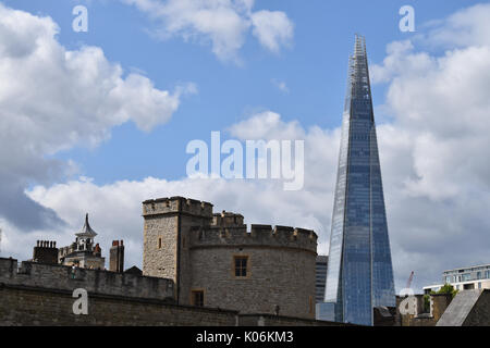 London: Tower of London and the Shard - Stock Image