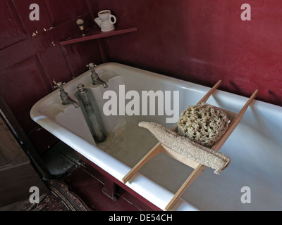 Victorian bathing at Montecute House, NT, South Somerset, England, UK - Stock Image