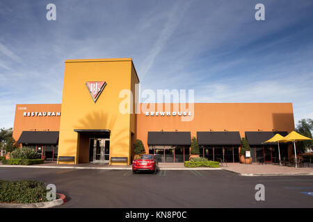 BJ's Restaurant & Brewhouse exterior. An American casual dining chain - Stock Image