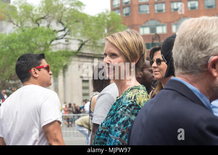 New York, NY, USA - 5 May 2018 - Democratic gubernatorial Candidate and Sex in the City star, Cynthia Nixon, campaigns at the Million Marijuana Rally in Union Square. CREDIT ©Stacy Walsh Rosenstock/Alamy Live News - Stock Image