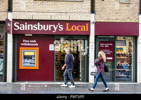 London England United Kingdom Great Britain Southwark Sainsbury's grocery supermarket convenience store exterior outside shopping ATM automatic cash t - Stock Image