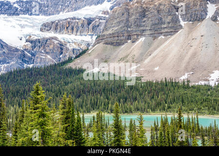Bow River and Mountains of Banff National Park, Alberta, Canada - Stock Image