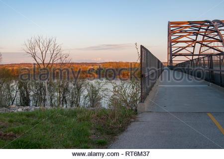 Sun set at the Missouri River near St. Louis. - Stock Image
