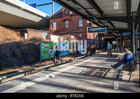 Berlin Wilmersdorf. Heidelberger Platz S-Bahn railway station with covered platform is on the Ringbahn (Circle Line) and services the S41 And S42 Line - Stock Image