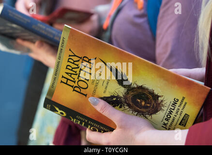 22 March 2019, Saxony, Leipzig: Books from the fantasy novel series Harry Potter will be read at Carlsen's stand at the Leipzig Book Fair. The Book Fair will continue until 24.03.2019. Photo: Hendrik Schmidt/dpa-Zentralbild/ZB - Stock Image