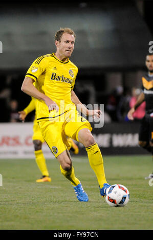 Mapfre stadium, USA. 23rd April, 2016. .Columbus Crew SC defender Tyson Wahl (2) passes the ball in the second half - Stock Image