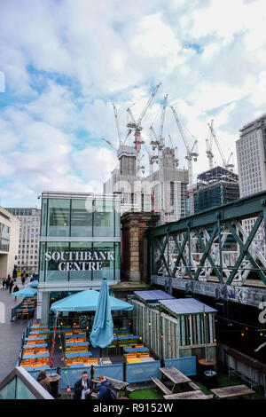 Construction in London: Cranes tower over the South Bank Place development on the South Bank in London in January 2018 - Stock Image