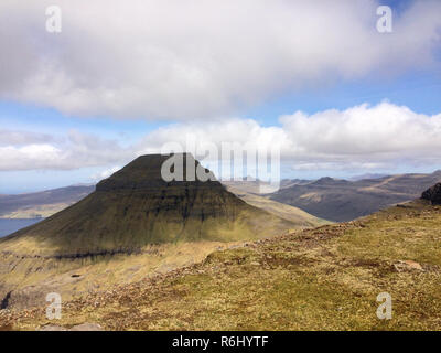 Iconic shape of Skaelingur mountain on the main island of Streymoy on the Faroe Island - Stock Image