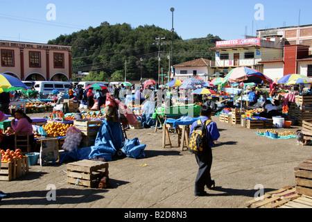 Market Place Outside San Juan Chamula Church, Nr San Cristobal de Las Casas, Chiapas Province, Mexico - Stock Image