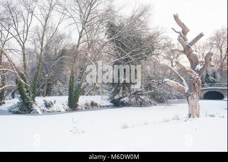 Regents Park during winter snowfall, (February 2018), London, United Kingdom - Stock Image