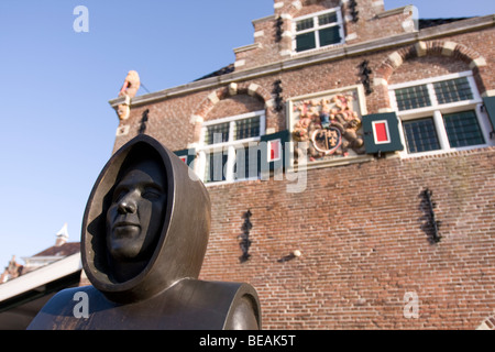 Sculpture in front of old weigh building, Workum, Warkem, Fryslan, The Netherlands - Stock Image