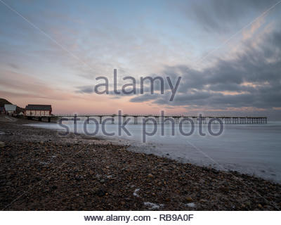 Saltburn-by-the-Sea, UK. 8th January, 2019. Weather: Sunrise over the pier at Saltburn-by-the-Sea on the north-east coast. 8th January 2019. © Gary Clarke/Alamy Live News - Stock Image