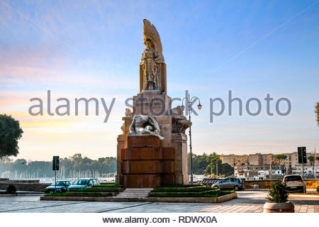 Monument to the Fallen of Brindisi during the First World War in the Piazza Santa Teresa in Brindisi, Italy - Stock Image