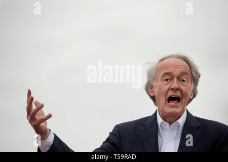 Edward John Markey, Massachusetts Democrat, junior United States Senator since 2013 serving 7th U.S. congressional district from 1976.  Markey is shown addressing striking United Food & Commercial Workers (UFCW) outside of a Dorchester, MA, Stop & Shop grocery store. - Stock Image