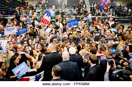Tucson, Arizona, USA. 18th March, 2016. Democratic Presidential Candidate Senator Bernie Sanders Rally at the Tucson - Stock Image