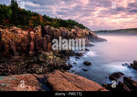 Autumn at Newport Cove in Acadia National Park, Maine. - Stock Image