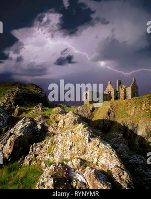 GB - SCOTLAND: Dunskey Castle in Dumfries & Galloway - Stock Image