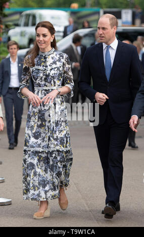 The Duke and Duchess of Cambridge during their visit to the RHS Chelsea Flower Show at the Royal Hospital Chelsea, London. - Stock Image