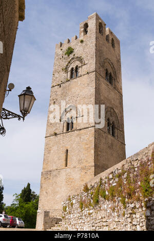 Italy Sicily medieval walled town Erice on Monte San Giuliana La Real Chiesa Madrice Insigne Collegiata Mother Church Chiesa Madre built 1314 by - Stock Image