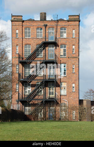 Tolson's Mill, Fazeley beside the Birmingham & Fazeley Canal - Stock Image