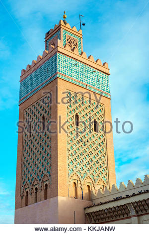 Morocco, Marrakech-Safi (Marrakesh-Tensift-El Haouz) region, Marrakesh. Minaret of Mosqueé Moulay El Yazid - Stock Image