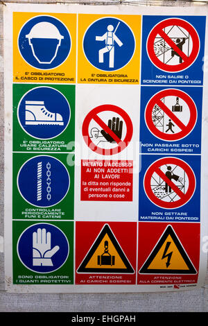 Safety notice on Italian building site. Pisa, Italy - Stock Image