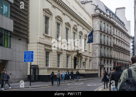 Pedestrians walk past The City of London Club building in Old Broad Street, London, England, UK - Stock Image