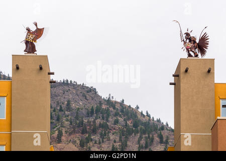 'Guardian' sculptures at Nk'mip Resort and Conference Centre, Osoyoos BC Canada.Resort showcases rich - Stock Image