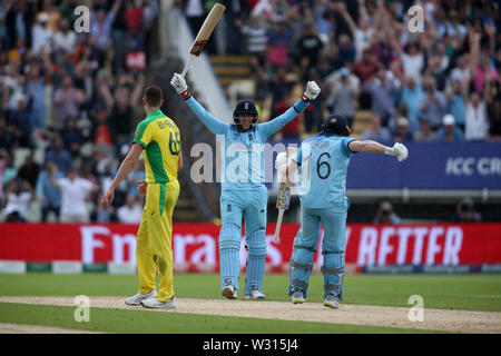 Birmingham, UK. 11th July 2019; Edgbaston, Midlands, England; ICC World Cup Cricket semi-final England versus Australia; Joe Root and Eoin Morgan celebrate as England win the match by a margin of 8 wickets Credit: Action Plus Sports Images/Alamy Live News - Stock Image