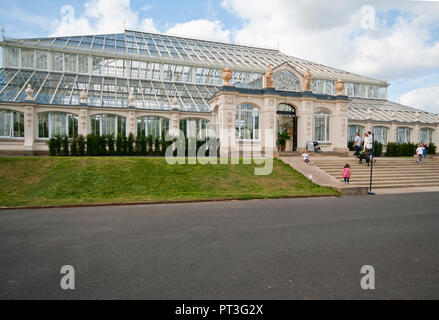 Outisde of The Temperate House in The Royal Botanic Gardens Kew Gardens London England UK - Stock Image