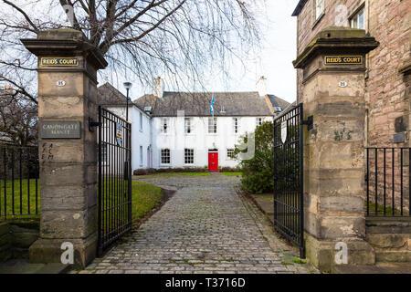 Edinburgh (Scotland) - Canongate, Reid's Court - Stock Image